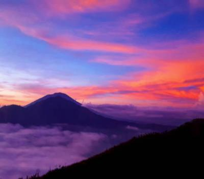 La randonnée au mont Batur est très impressionnante, une montagne qui doit être escaladée