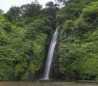 Randonnée l'exotisme de la cascade de Munduk et lac d'altitude de Tamblingan