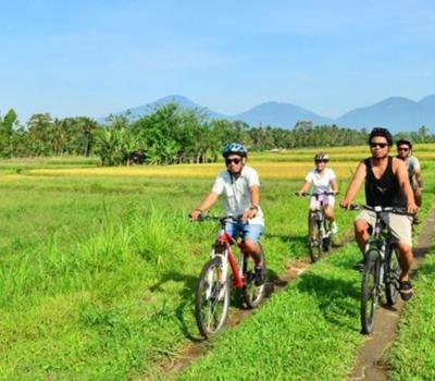 voyage à bali ,faire du vélo  -balilabelle