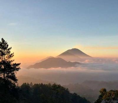 Belle randonnée au mont Batur Avec une belle vue sur le soleil se levant