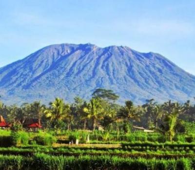 ascension du mont agung exceptionelle a faire sur bali et visiter le temple de besakih,balilabelle