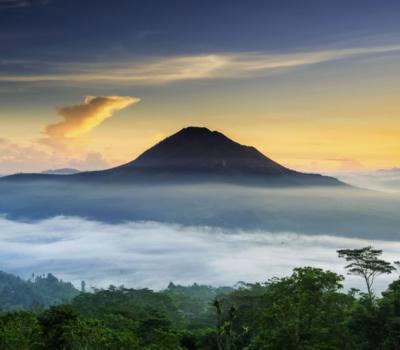 escalade du mont Batur avec vous admirer le lever de soleil tres magnifique