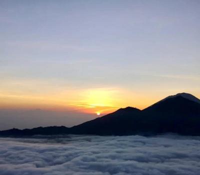 escalade du mont batur-toyadevasya(sources chaudes naturelles)
