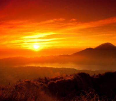 randonnée  au lever du soleil est incroyable et inoubliable mont batur