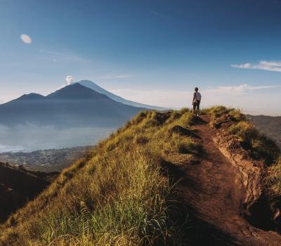 voyage à bali , escalader le mont batur magnifique-balilabelle