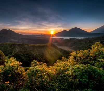 Mont Batur escalade avec le lever du soleil est incroyable et inoubliable 2020