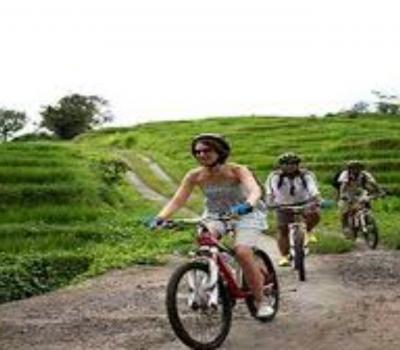 voyage à bali , n'oubliez pas de faire des activités à vélo-balilabelle