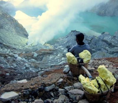 voyage à bali aventure Blue Fire du mont Cratère Ijen