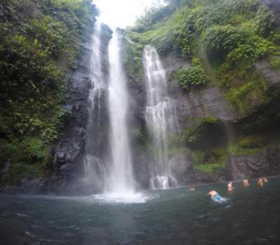 randonnée à bali  avec un guide francophone balinais  a visiter  la cascade de sikumpul-balilabelle