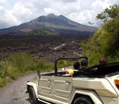 voyage à bali  une excursion d'une jounée au mont batur en safari avec Volkswagen Jeep- balilabelle