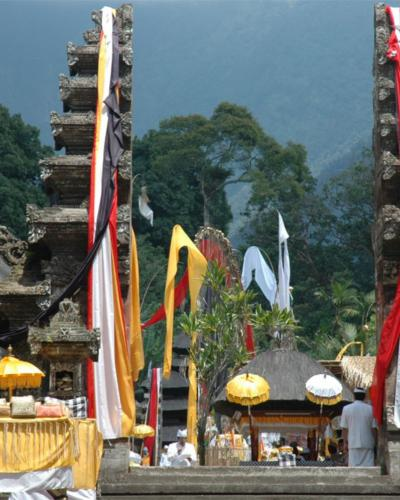 voyager et visiter  des temples à Bali,balilabelle