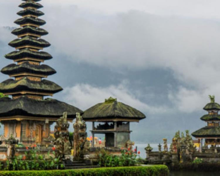 randonnée à bali ,mont ijen a java, et lombok avec un guide francophone balinais