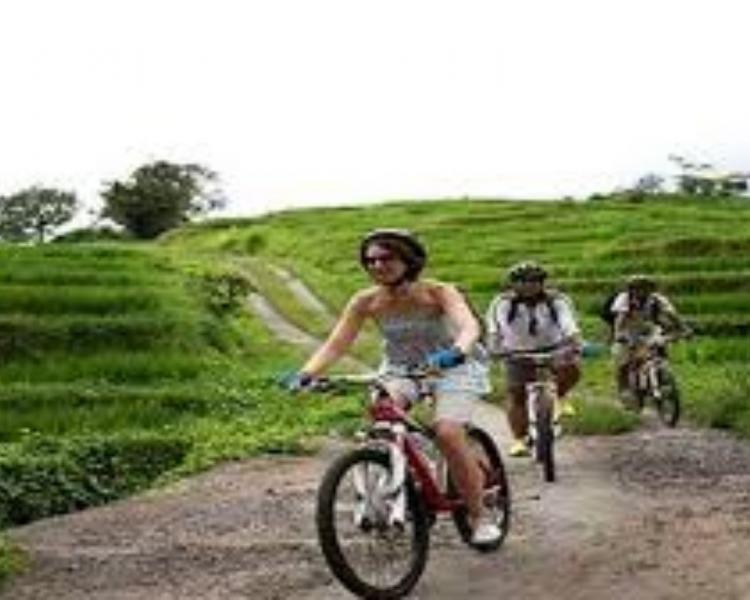 faites la balade  à vélo très amusant,balilabelle