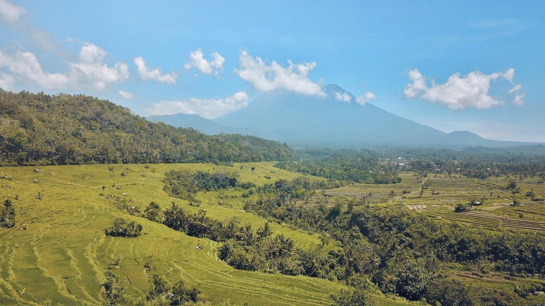 La randonnée dans le très beau village de Kastala est idéale pour la randonnée dans les rizières