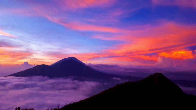 Escalade du mont Batur, panorama du lever du soleil