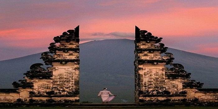 le mont lempuyang magnifique des belle s rizierre en teraase avec du volcan agung