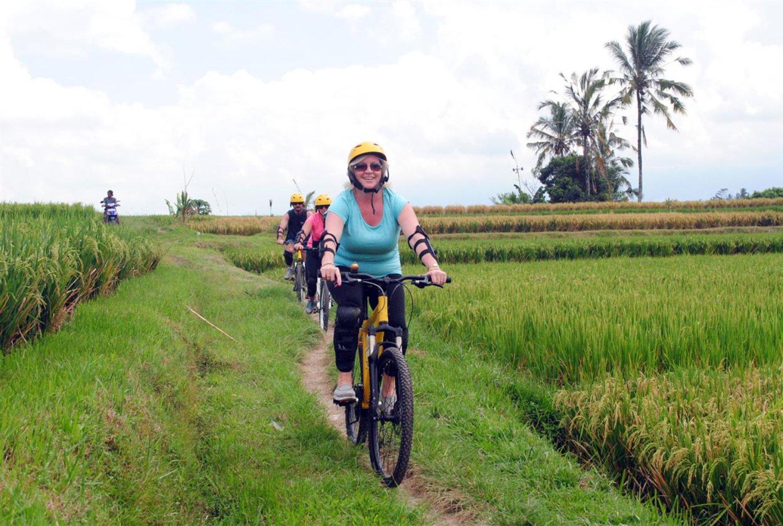 voyage à bali ,balade à vélo  -balilabelle