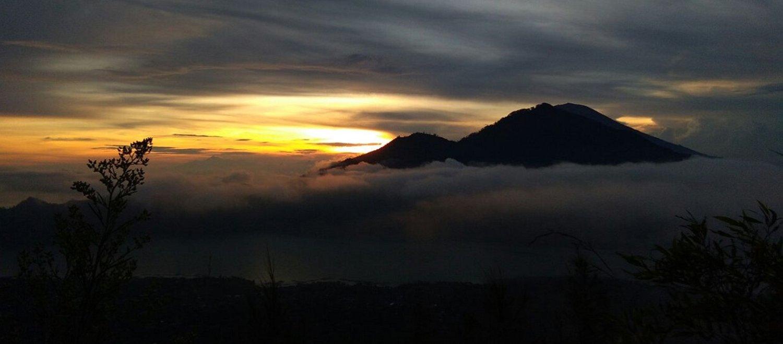 La randonnée au mont Batur est très impressionnante avec la beauté du lever du soleil et des environ