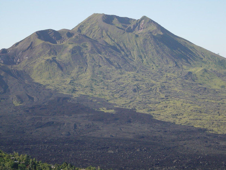 escalade  du mont Batur est très incroyable,  avec le lever du soleil2020
