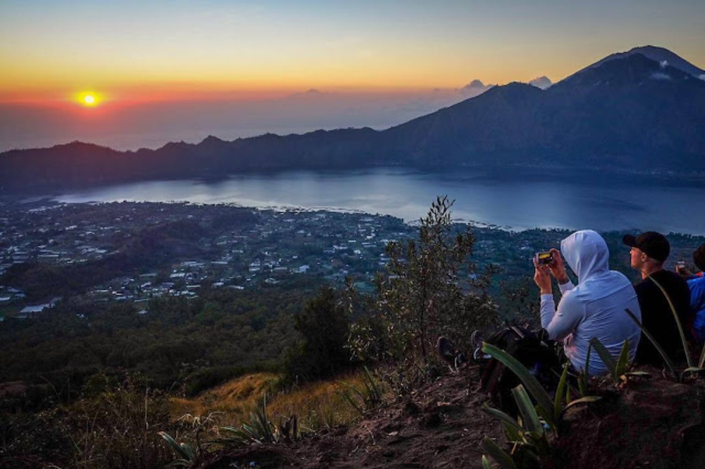 randonnée mont Batur est très magnifique par la beauté du lever du soleil