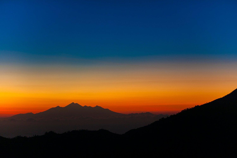 voyage à bali Lever de soleil  au sommet du mont batur et balade à vélo à bali (vtt)-balilabelle