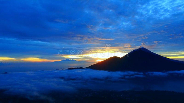Escalader le mont Batur avec un beau lever de soleil