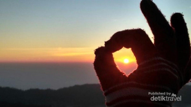 Le mont Batur est très charmant avec le beau lever de soleil ,balilabelle