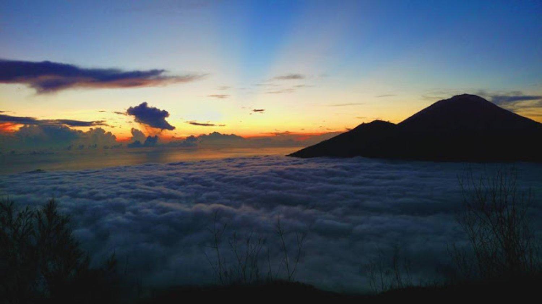 L'ascension du Mount Batur 2020 combinaison avec une cascade