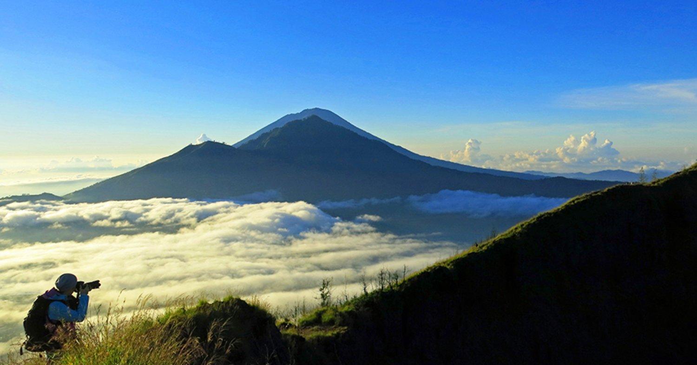 randonnée à bali volcan actif batur et visiter la cascade tegenungan,balilabelle