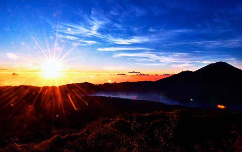escalade ,le soleil se lever au mont batur