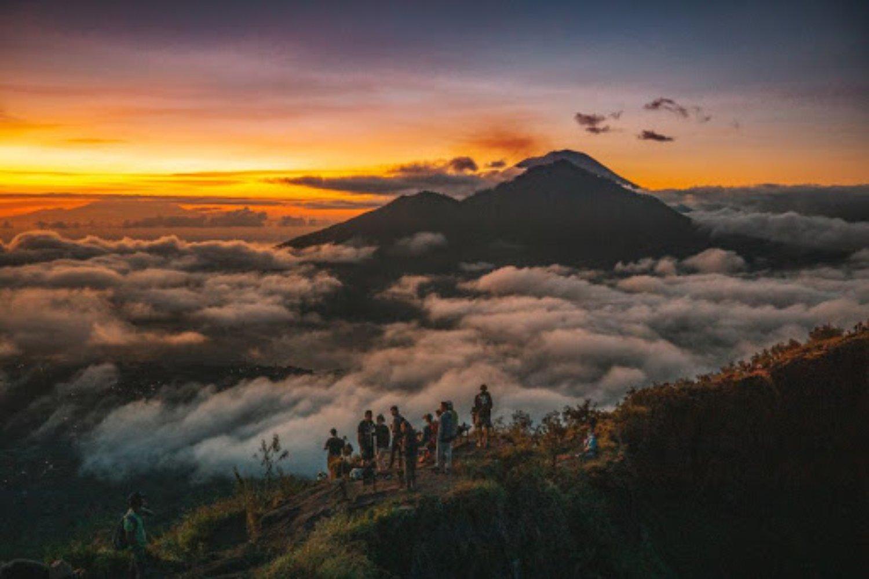 voyage à Bali avec Balilabelle le lever du soleil est incroyable et inoubliable mont batur
