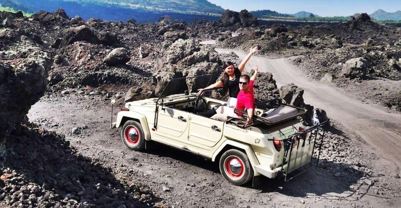 randonnée et Explorez le mont Batur à Bali avec la jeep VW classique