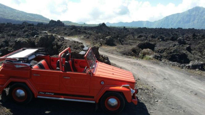 randonnée mont Batur à Bali avec la jeep VW classique