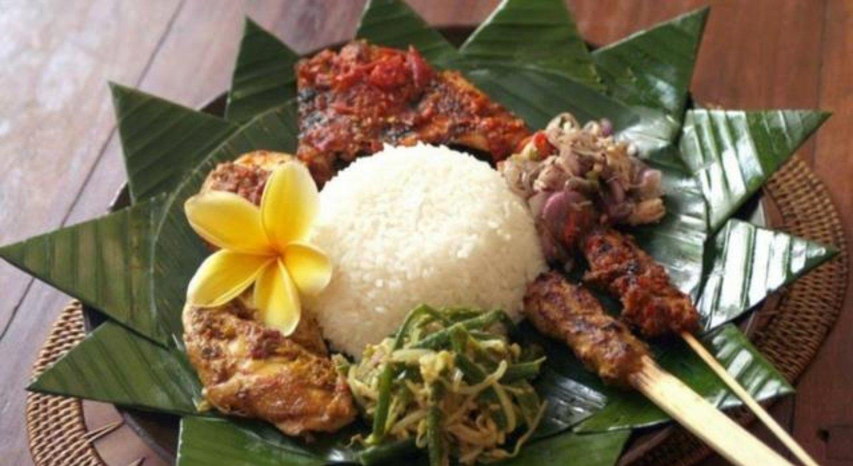 Nasi Campur Bali Makanan Khas Bali 1